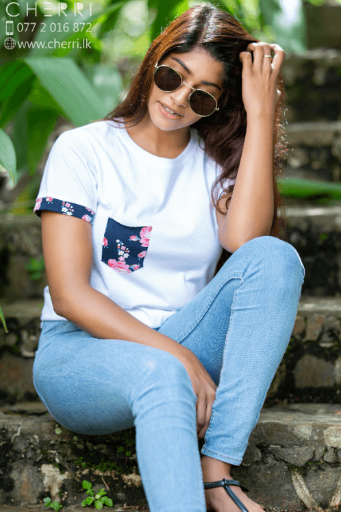 Cotton comfort white tee with pocket
