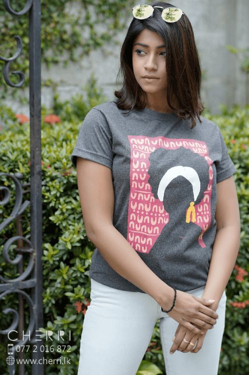 Lady Graphic Cotton Tee